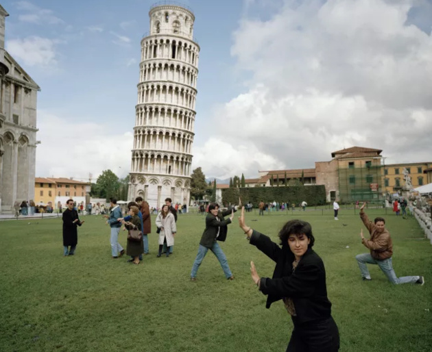 © Martin Parr / Magnum Photos / Rocket Gallery The Leaning Tower of Pisa, Italy, 1990. From 'Small World'.