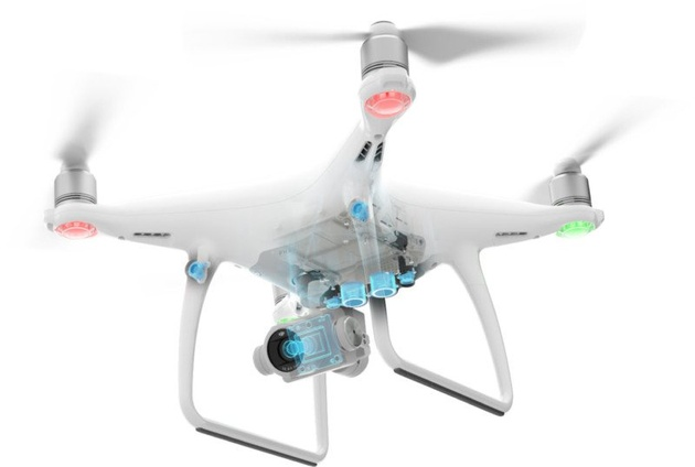 На смену квадрокоптеру DJI Phantom 4 приходит Phantom 4 Advanced