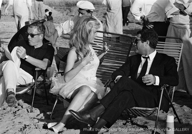 Marcello Mastroianni, Pamela Tiffin and Luciano Salce on the set of La moglie bionda. October, 1965