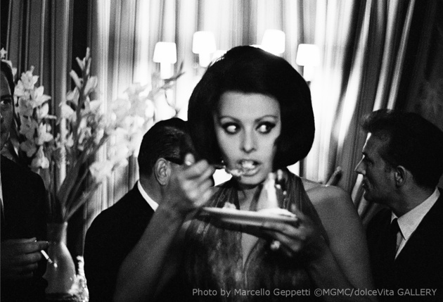Sophia Loren at Excelsior Hotel. Rome, June 1964